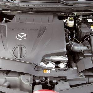 Mazda_CX7_engine_3